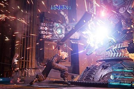 Die Kämpfe in «Final Fantasy VII Remake» sind im Gegensatz zum Vorbild deutlich beschleunigt. Foto: Square Enix/dpa-tmn