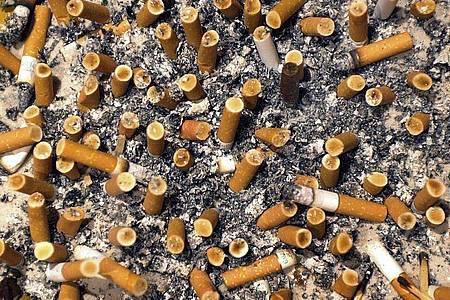 Der Bundestag hat Werbung für das Rauchen weiter eingeschränkt. Foto: Karl-Josef Hildenbrand/dpa