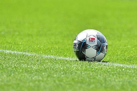 Die «Taskforce Zukunft Profifußball» soll für einen Wertewandel im überhitzten Profigeschäft sorgen sollen. Foto: Sebastian Widmann/Getty-Pool/dpa