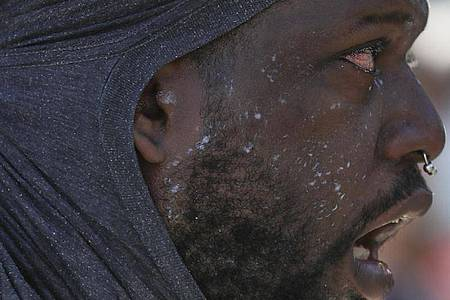 Nach dem Tod des Afroamerikaners George Floyd bei einem brutalen Polizeieinsatz in Minneapolis haben Ausschreitungen in US-Metropolen in der fünften Nacht in Folge angedauert. Foto: Heather Khalifa/The Philadelphia Inquirer/AP/dpa