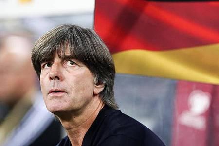 Bundestrainer Joachim Löw startet mit der Nationalmannschaft im September wieder. Foto: Christian Charisius/dpa