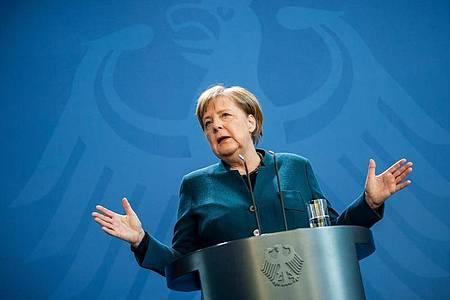 Bundeskanzlerin Angela Merkel spricht bei einer Pressekonferenz am 22. März. Momentan hält es Merkel für viel zu früh, über eine Lockerung der Maßnahmen zur Eindämmung der Corona-Pandemie zu sprechen. Foto: Michael Kappeler/dpa-pool/dpa
