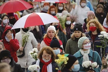Zehntausende Menschen wollen weiter gegen Machthaber Alexander Lukaschenko auf die Straße gehen. Foto: -/AP/dpa