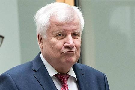 Horst Seehofer vergangene Woche bei der Vorstellung des Verfassungsschutzberichts 2019. Foto: Lennart Stock/dpa
