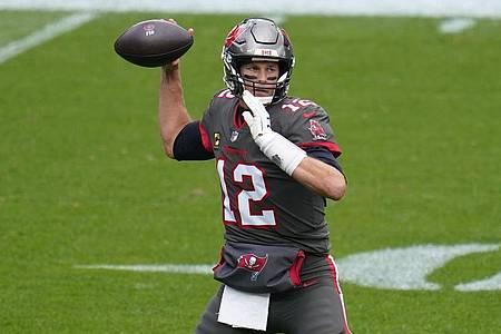 Tom Brady und die Tampa Bay Buccaneers kassierten die zweite Saisonniederlage. Foto: Jack Dempsey/AP/dpa