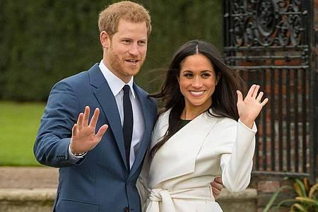Prinz Harry und Herzogin Meghan verabschieden sich. Foto: Dominic Lipinski/PA Wire/dpa