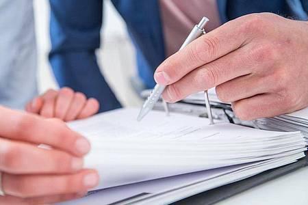 44,3 Prozent der Beschäftigten halten ihrem Arbeitgeber zehn oder mehr Jahre die Treue. Das hat das Statistische Bundesamt für das Jahr 2019 ermittelt. Foto: Christin Klose/dpa-tmn