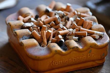 Werbung für das Rauchen soll zukünftig verboten werden. Foto: Martin Schutt/dpa-Zentralbild/dpa