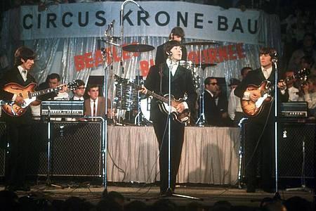 Die Beatles 1966 im Münchner Circus Krone-Bau. Foto: Gerhard Rauchwetter/dpa