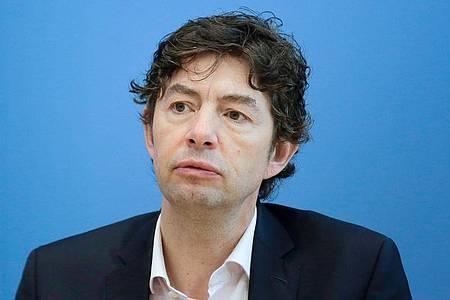 Virologe Christian Drosten warnt vor der Corona-Strategie mit einer Herdenimmunität. Foto: Markus Schreiber/AP POOL/dpa