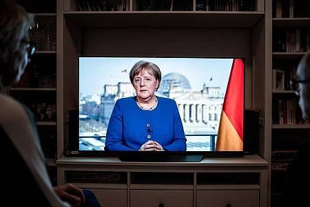Die Krise habe eine historische Dimension, sagt Merkel in ihrer Fernsehansprache. Foto: Fabian Strauch/dpa