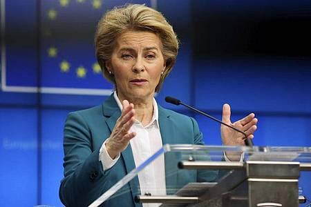 Die EU-Kommission lockert erstmals die Haushaltsregel, um der Coronakrise zu begegnen. Foto: Olivier Matthys/AP/dpa