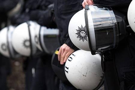Trotz der Ermittlungen zu rechtsextremen Chats von Polizisten in Nordrhein-Westfalen lehnt Bundesinnenminister Horst Seehofer eine Studie zu Rassismus bei der Polizei weiter ab. Foto: Marius Becker/dpa