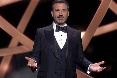 Corona-Version:Der Moderator der Emmy Awards, Jimmy Kimmel, begrüßt die Stars aus dem letzten Jahr. Foto: Uncredited/The TV Academy and ABC Entertainment/AP/dpa