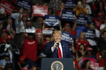 US-Präsident Donald Trump auf Wahlkampftour in Tulsa. Foto: Sue Ogrocki/AP/dpa