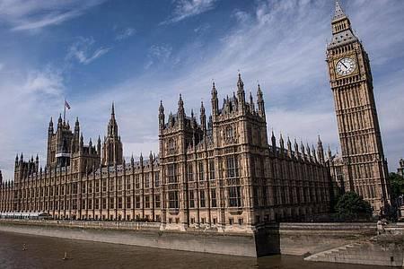 Der Westminster-Palast, Sitz des britischen Parlaments. Foto: Stefan Rousseau/PA Wire/dpa