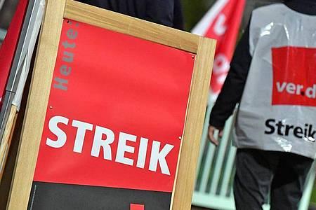 Die Gewerkschaft Verdi hat die Beschäftigten im Öffentlichen Nahverkehr zum Warnstreik aufgerufen. Foto: Martin Schutt/dpa-Zentralbild/dpa