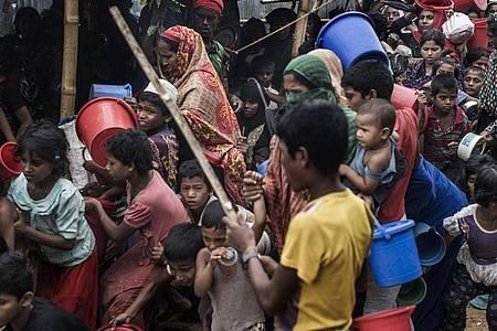 Flüchtlinge im Lager Cox`s Bazar in Bangladesch. Foto: Richard Tsong-Taatarii/ZUMA Wire/dpa