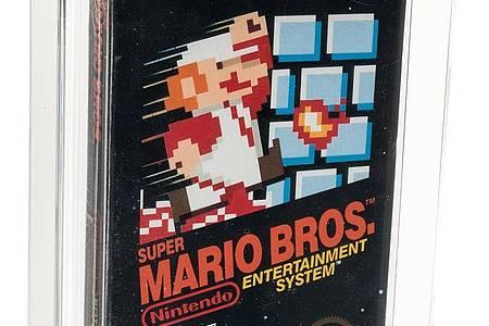 Die Vorderseite des original verpackten «Super Mario Bros.»-Computerspiels aus dem Jahr 1985. Foto: -/Heritage Auctions/dpa