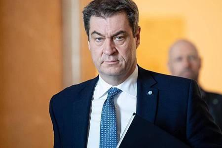Markus Söder (CSU), Ministerpräsident von Bayern, kündigt weitreichende Ausgangsbeschränkungen für den Freistaat an. Foto: Sven Hoppe/dpa