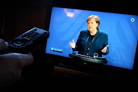 Die Ansprache der Bundeskanzlerin Angela Merkel (CDU) zur Lage im Zusammenhang mit dem Coronavirus. Foto: Karl-Josef Hildenbrand/dpa