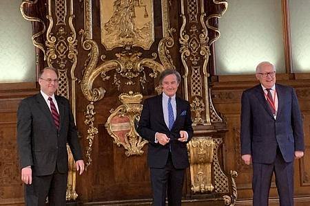Billingslea (l-r), Launsky-Tieffenthal und Sergej Rjabkow in Wien. Foto: Anastasia Goryaeva/PRESS SERVICE EMBASSY OF RUSSIA/dpa