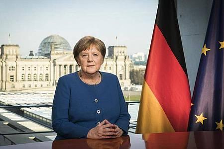 Bundeskanzlerin Angela Merkel (CDU) hält eine Fernsehansprache im Bundeskanzleramt zum Verlauf der Corona-Pandemie. Foto: Steffen Kugler/Bundesregierung /dpa