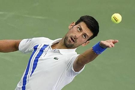 Novak Djokovic setzte sich im Finale gegen den Kanadier Milos Raonic durch. Foto: Frank Franklin Ii/AP/dpa