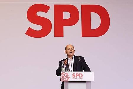 Olaf Scholz auf dem Landesparteitag der SPD Thüringen in Bad Blankenburg. Foto: Bodo Schackow/dpa-Zentralbild/dpa