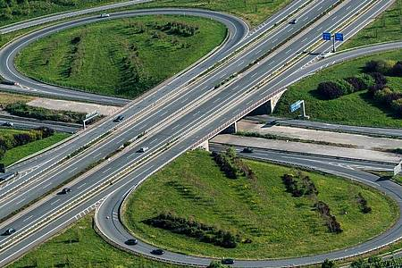 Entspannte Lage auf den Autobahnen in Nordrhein-Westfalen, Bayern und Baden-Württemberg (Archiv). Foto: Bernd Thissen/dpa