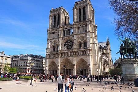 Die Kathedrale Notre-Dame de Paris - aufgenommen vor dem Brand im April 2019. Foto: Christian Böhmer/dpa