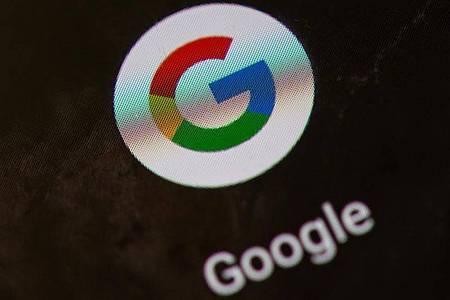 Google bringt eine neue Smartphone-Version auf den Markt. Foto: Andrea Warnecke/dpa-tmn/dpa/Archivbild