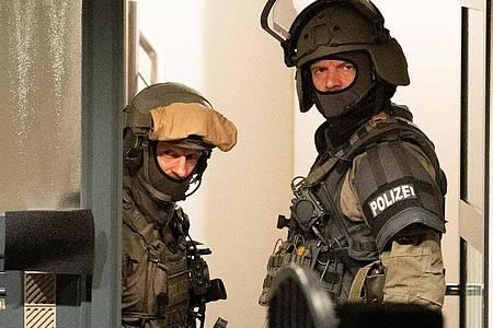 Weitere Durchsuchungen gab es in ganzDeutschland. Foto: Boris Roessler/dpa