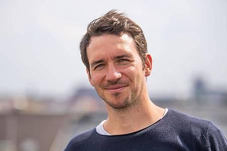 Auch einmal andere scheuchen: Die Motivation über Homeoffice macht es für Felix Neureuther möglich. Foto: Lino Mirgeler/dpa