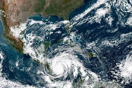 Auf diesem von der NASA zur Verfügung gestellten Bild ist Hurrikan «Iota» über Mittelamerika zu sehen. Foto: Nasa Earth/ZUMA Wire/dpa