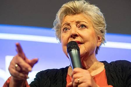 Marie-Luise Marjan alias Helga Beimer zeigte sich bei einem Treffen langjähriger «Lindenstraße»-Darsteller überzeugt: «Die Serie lebt weiter.». Foto: Lucas Bäuml/dpa