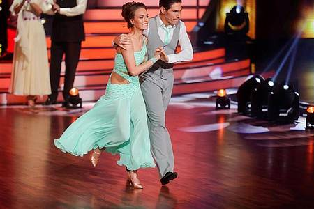 Anfang März ist Laura Müller bei der RTL-Tanzshow «Let`s Dance» noch dabei. Nun musste sie die Show verlassen. Foto: Rolf Vennenbernd/dpa