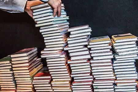 Kann die Frankfurter Buchmesse in diesem Jahr stattfinden?. Foto: Frank Rumpenhorst/dpa