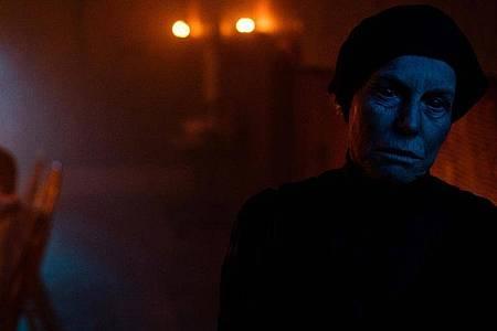Frau Holda (Alice Krige) macht Hänsel und Gretel das Leben schwer. Foto: Patrick Redmond/capelight pictures/dpa