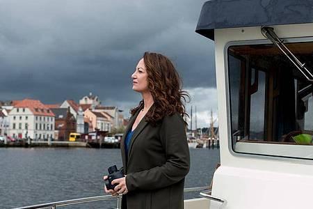 Düsterer Himmel, hohe Einschaltquote:Natalia Wörner als Kommissarin Jana Winter. Foto: Manju Sawhney/ZDF/dpa