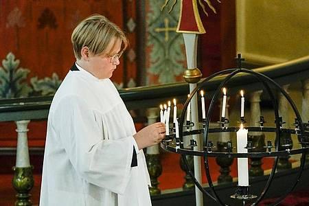 Sverre Magnus, Prinz von Norwegen, bei seiner Konfirmation in der Kirche von Asker. Foto: Stian Lysberg Solum/Pool NTB scanpix/AP/dpa