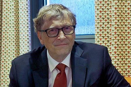 Der US-Milliardär Bill Gates zieht sich weiter aus dem Wirtschaftsleben zurück. Foto: Christian Böhmer/dpa