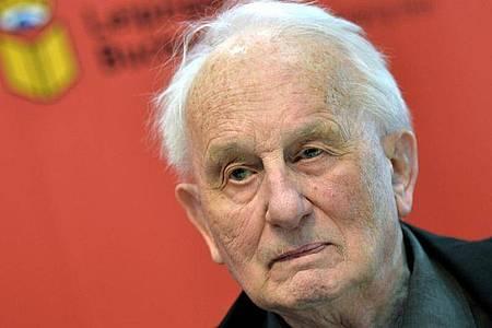 Der deutsche Dramatiker Rolf Hochhuth ist tot. Foto: Hendrik Schmidt/dpa-Zentralbild/dpa