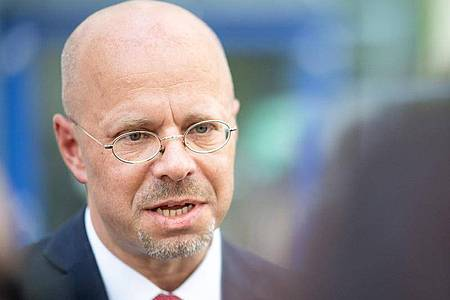 Die AfD will Andreas Kalbitz nicht länger in ihren Reihen dulden. Foto: Sebastian Gollnow/dpa