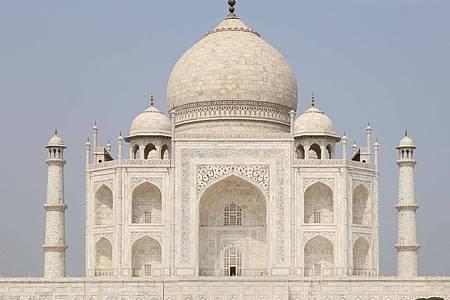 Das historischen Taj Mahal in Agra. Foto: Pawan Sharma/PTI/dpa