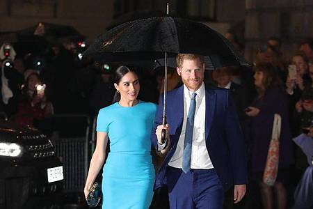 Von April an verzichten Prinz Harry und Herzogin Meghan auf die Anrede «Königliche Hoheit». Foto: Steve Parsons/PA Wire/dpa