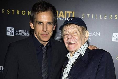 Ben Stiller (l) mit seinem Vater und Berufskollegen Jerry Stiller (2011). Foto: Charles Sykes/FR170266 AP/dpa