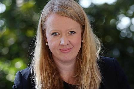 Lucy Wasensteiner, neue Direktorin der Liebermann-Villa am Wannsee, lädt ein zu ihrer ersten Ausstellung im Haus. Foto: Wolfgang Kumm/dpa