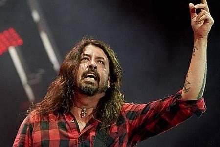 Der Drummer Dave Grohl arbeitet für die Foo Fighters. Foto: Thomas Frey/dpa