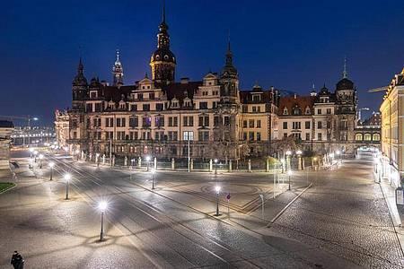 Das Residenzschloss in Dresden am Abend. Foto: Robert Michael/dpa-Zentralbild/dpa